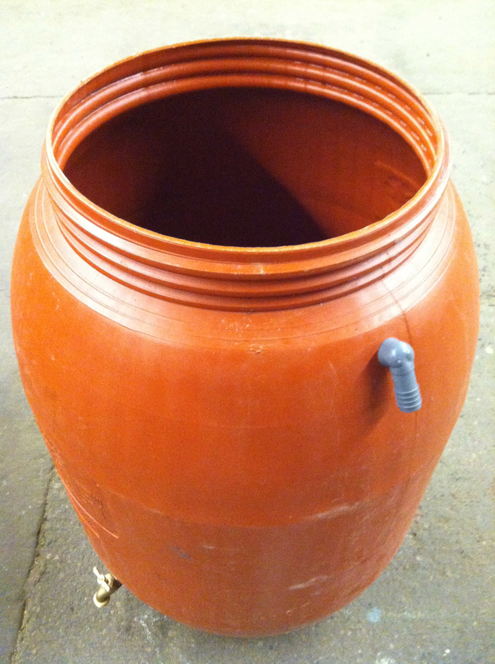 how to make your own rain barrel system